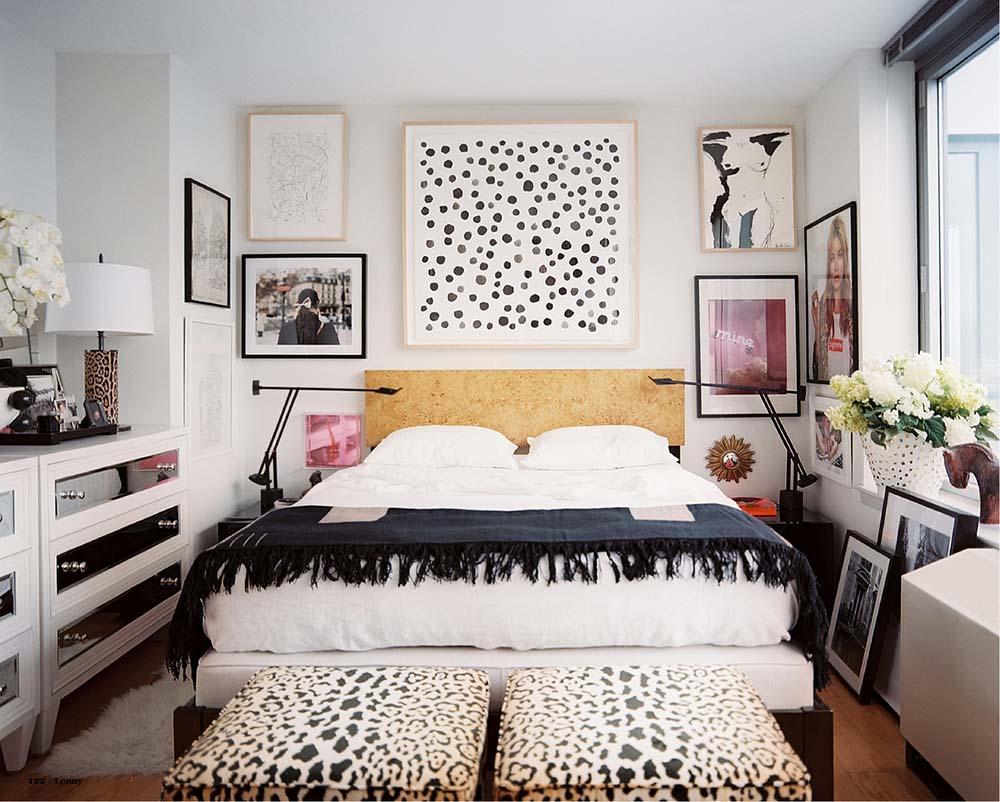 City Without Walls Lindsay Adams | Lonny Magazine - Pinterest Picks - Dreamy Gallery Walls - Gallery Wall Inspiration