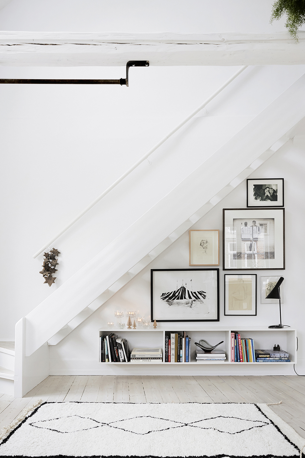 Elle Decoration | Yellows - Pia Winther - Pinterest Picks - Dreamy Gallery Walls - Gallery Wall Inspiration