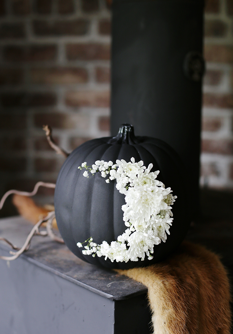 DIY FRESH FLORAL MOON PUMPKIN | The Merry Thought | Pinterest Picks - Halloween Decor